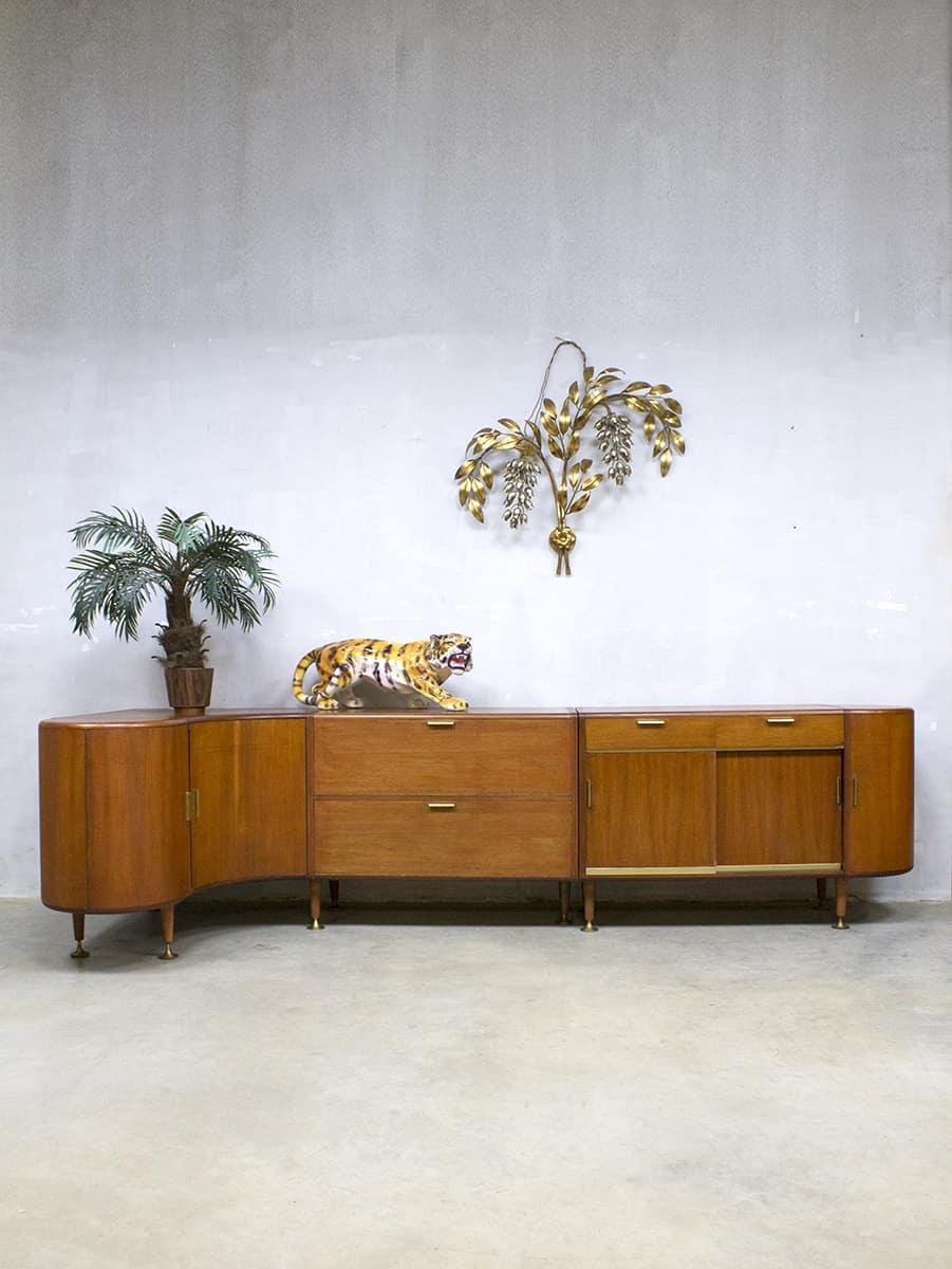 https://bestwelhip.nl/wp-content/uploads/2018/02/vintage_art_deco_wall_unit_cabinet_1.jpg