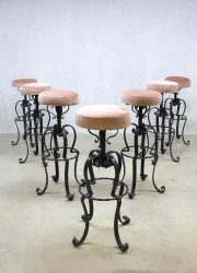 Vintage velvet barkrukken bar stools pink ladies 'Moulin rouge'