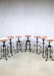 Vintage velvet barkrukken bar stools pink ladies 'Moulin rouge'