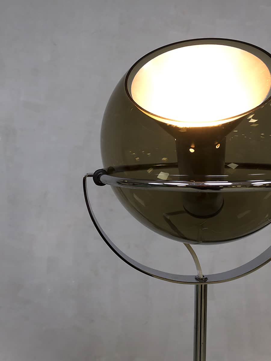 Vintage Dutch design globe floor lamp vloerlamp Frank Ligtelijn Raak