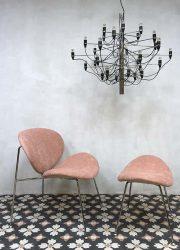 Vintage design lounge chair club chair fauteuil pink velvet schelpstoel