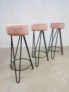 vintage pink velvet barstools Industrial velours barkrukken industrieel