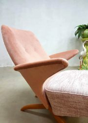 vintage pinguin stoel pinguin chair Dutch design Artifort Theo Ruth