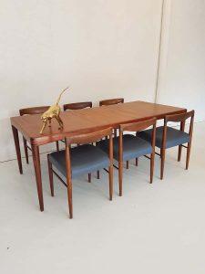 Vintage Danish design dining set Bramin Deense eetkamerstoelen & tafel
