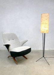 Vintage tripod floor lamp driepoot vloerlamp 'minimalism' sixties