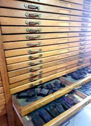 vintage Industrial chest of drawers antique counter toonbank industrieel letterkast zetkast