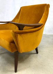 vintage luxury chairs gold suede arm chairs lounge fauteuils stoelen velours