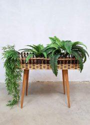 Danish vintage rattan plant stand plantenbak rotan plantenstandaard Deens plantentafel retro interior midcentury design bohemian style