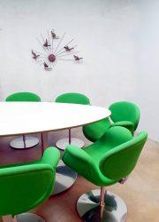 vintage design artifort tafel table Pierre Paulin eetkamerstafel ovaal tulp stoelen tulip chairs