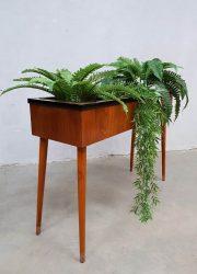 Danish vintage wooden plant stand plantenbak teak plantenstandaard Deens