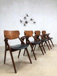 Vintage Danish design dining chairs Hovmand Olsen eetkamerstoelen