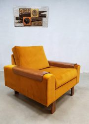 vintage design armchair lounge fauteuils Danish design gold velvet