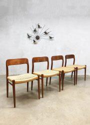 midcentury modern Scandinavian design dining chairs eetkamerstoelen Moller dinner chairs papercord