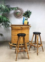 vintage bamboo rattan bar Tiki cocktail bar rotan bamboe