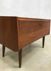 vintage design cabinet Danish tv kast klep kast