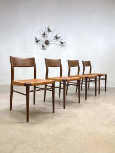 Teak & leather dining chairs eetkamer stoelen Georg Leowald voor Wilkhahn