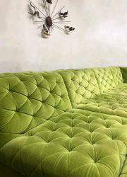 lounge bank gecapitonneerd velours groen vintage design sofa