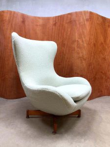 vintage draaifauteuil wingback chair egg chair ploeg stof fabric