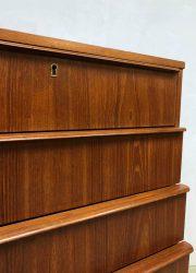 deense vintage teakhouten kast ladekast Danish chest of drawers