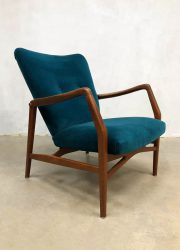 midcentury armchairs luxury blue velvet Danish design lounge fauteuil