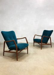 vintage lounge fauteuils blauw luxe velours arm chairs Scandinavian modern