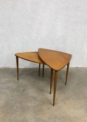 deens vintage design bijzettafel driepoot tripod nesting tables Danish style
