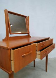Dressing table teak wood kapafel teak hout Deens