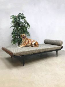 Vintage Cleopatra daybed Dutch design sofa Dick Cordemeijer for Auping