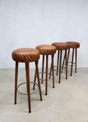 Vintage leather crocodile bar stool bar krukken kruk krokodillen leer krukken jaren 50 60