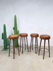 Vintage leather crocodile bar stool bar krukken kruk krokodillen leer