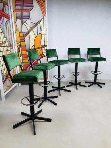 Vintage industrial barstools barkrukken luxury green velvet