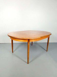 Victor Wilkens G-plan vintage dining table eetkamer tafel ovaal oval design