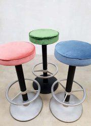 midcentury barstools barkrukken industrial design pink velvet