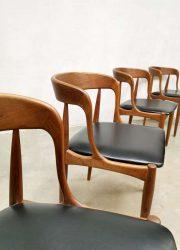 midcentury dining chairs Uldum Johannes Andersen eetkamerstoelen
