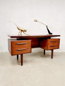 Midcentury design desk bureau Victor Wilkins G-Plan