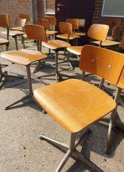 viuntage Dutch design Friso Kramer barstools stool Ahrend de Cirkel