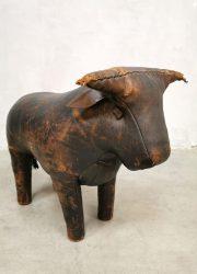 Bull leather voetenbank hocker ottoman vintage Omersa Dimitri object