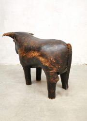 Voetenbank leather leer ottoman hocker vintage bull stier Dimitri Omersa