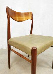 Vintage Deense eetkamer stoel teak wood dining chair model 71 Moller Danish