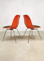 Herman Miller eetkamerstoelen Ray Charles Eames