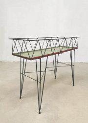 minimalism String Design AB plant stand plantenstandaard