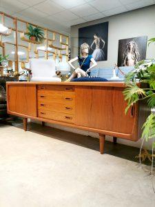 Danish midcentury design teak sideboard dressoir H.P. Hansen