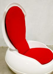 space age design Peter Ghyczy lounge chair egg chair tuinstoel