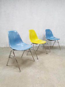 Vintage fiberglass shell chairs eetkamerstoelen Vitra Eames Herman Miller