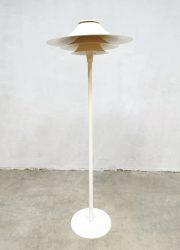 Deens design vloerlamp Lyfa Danish design lamp