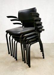 Friso Kramer industrieel stapelstoelen Dutch design