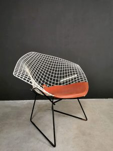 vintage diamond chair Knoll Bertoia 421
