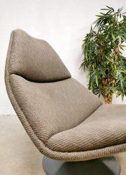 Draaifauteuil lounge fauteuil Artifort model F588 swivel chair Geoffrey Harcourt