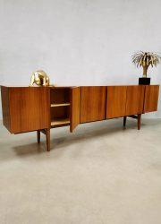 Vintage wandkast kast dressoir Deens Scandinavian sideboard