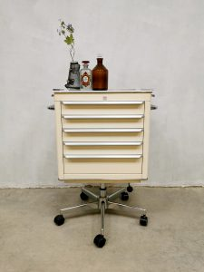 Midcentury design industrial medical cabinet industrieel medisch ladekast